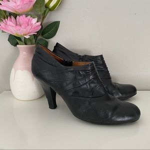 Sofft Florina Black Leather Booties